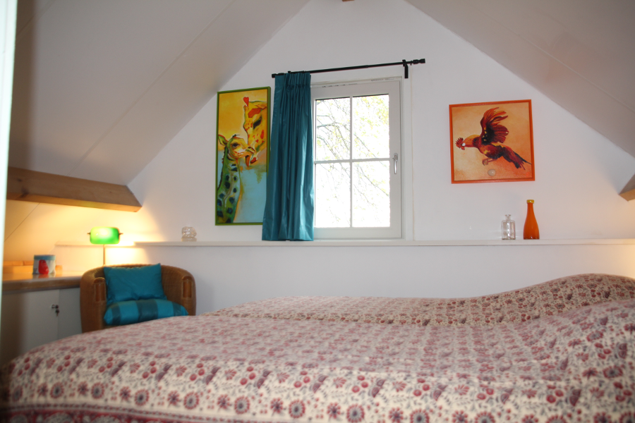 Karakteristieke slaapkamer burgerboerderij De Waanhoeve
